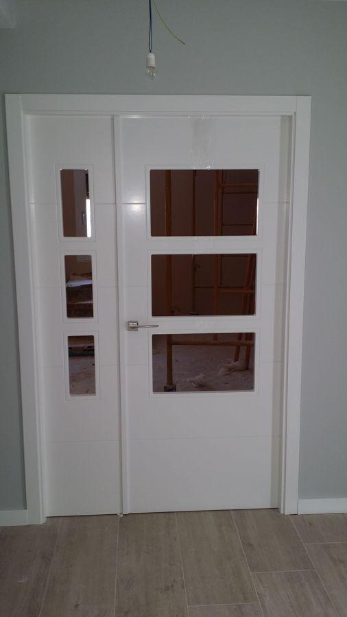 Puertas moderna lacada en blanco con rallas horizontal - Puerta lacada en blanco ...