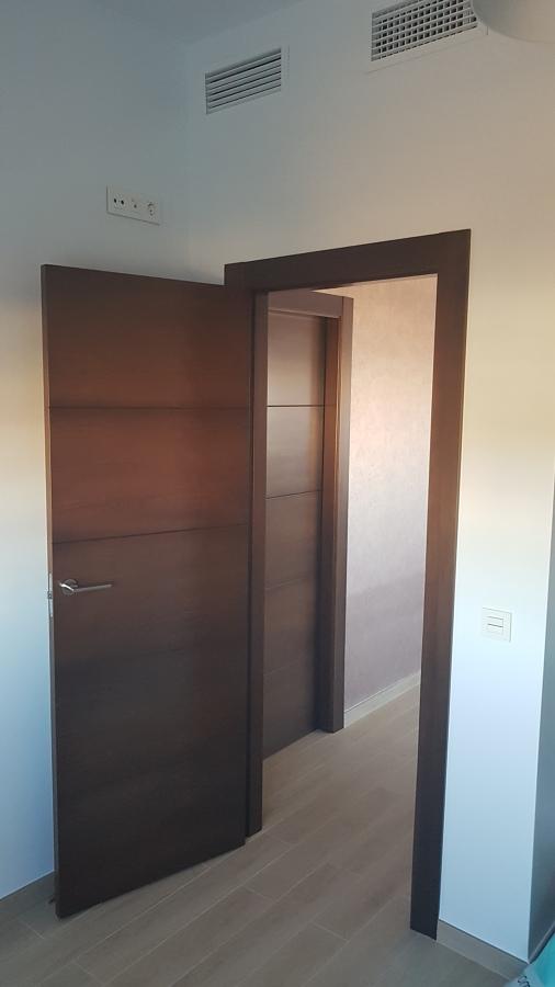 Puertas nogal estilo moderno