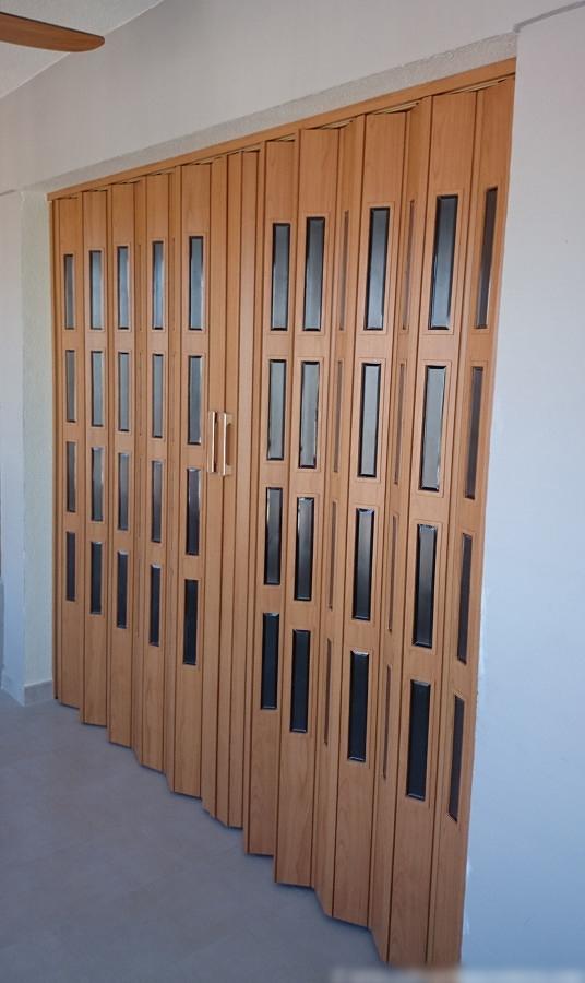 Foto puertas plegables de pvc de costa turisol 1068071 - Puertas pvc plegables ...