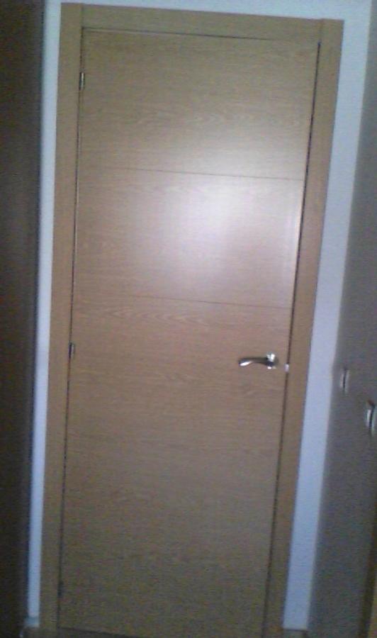 Foto puertas roble de reformar tu casa 1109798 habitissimo for Reformar puertas