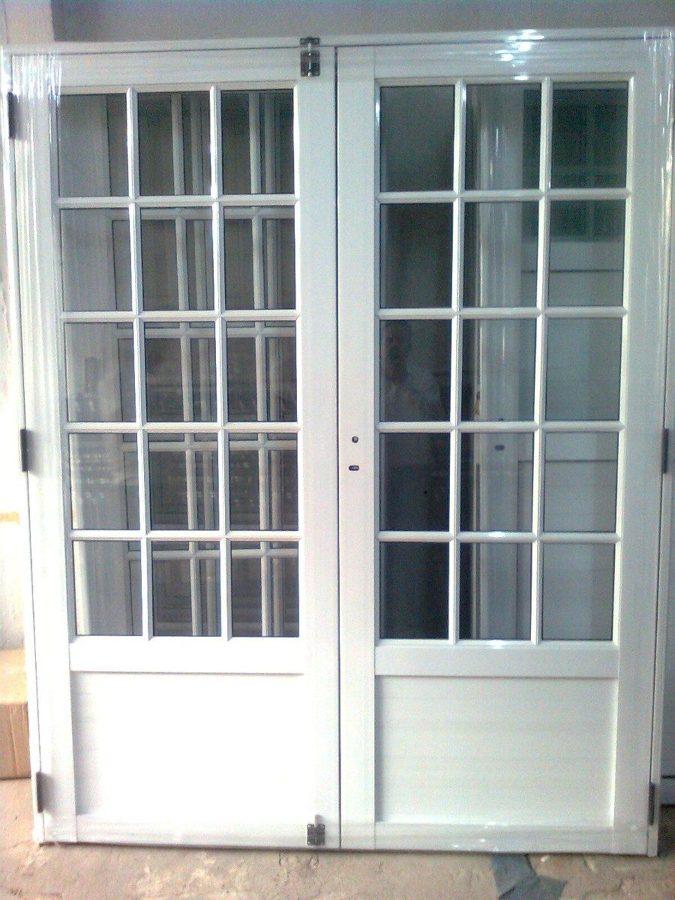 Foto puertas y ventanas de aluminio de mrs mantenimientos for Puertas de calle aluminio precios