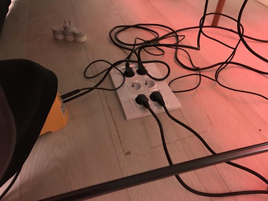 punto de corriente en suelo