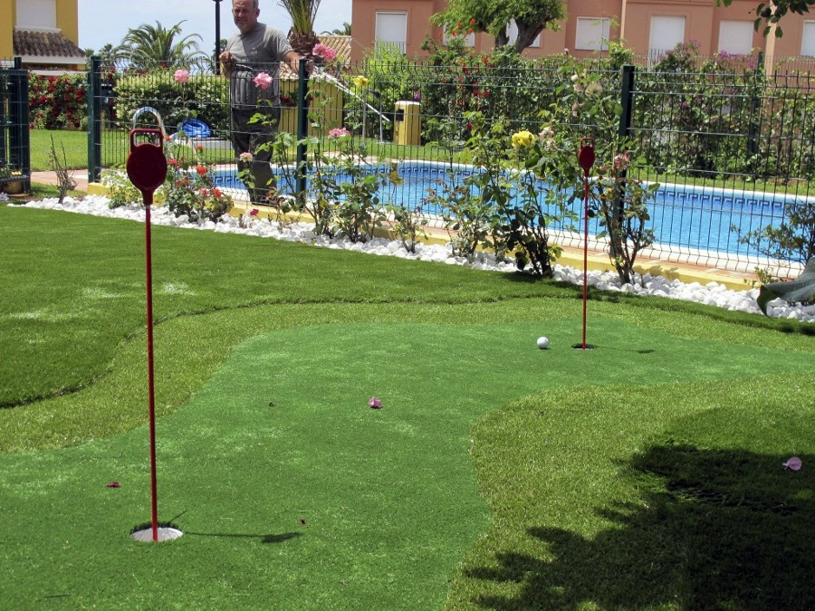 Foto putting green c sped artificial de el jardinero s l - Cesped artificial girona ...