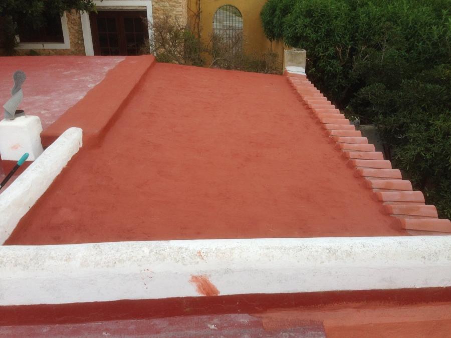 Quitadas las tejas para evitar peso y pintado de cloro caucho y malla