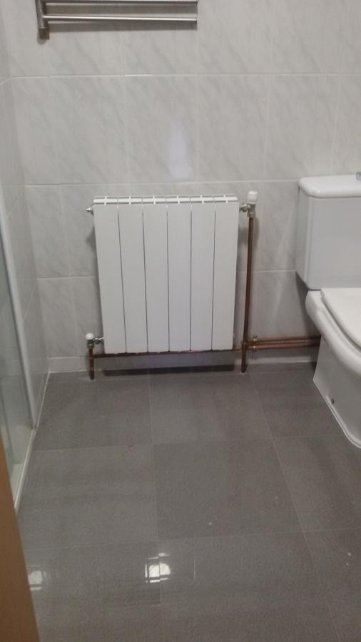 Instalaci n caldera gasoil ideas calefacci n - Radiador bano ...