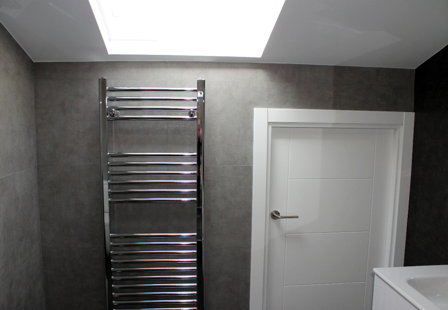 Foto radiador toallero cromado concept de sannicola - Toallero cromado para bano ...