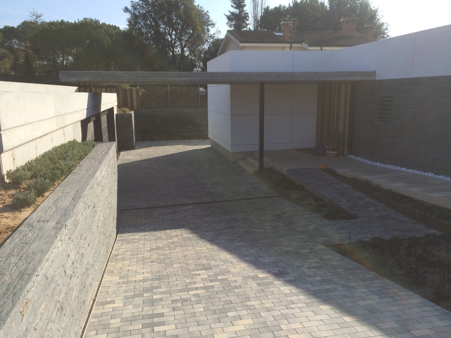 foto rampa acceso garaje de constru llars anoia 1111790