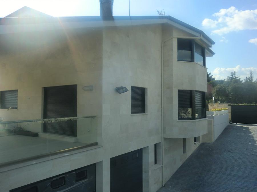 Foto rampa de acceso al garaje de lugar arquitectura - Rampas de garaje ...