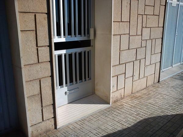 Rampa de acceso (después de reforma)