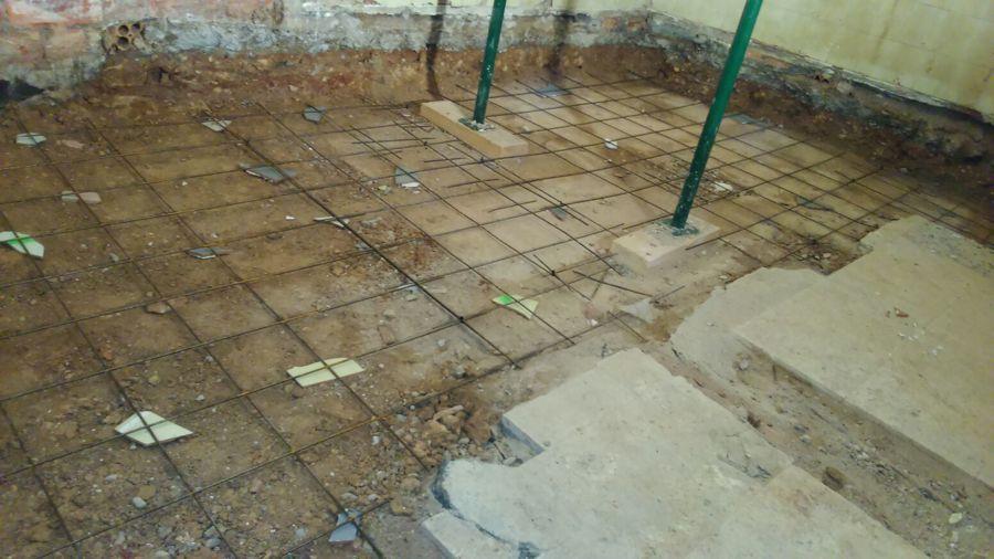 Rebajar suelo de la trastienda para dejar todo el local a nivel
