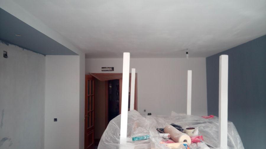 Rebajar techo entre pilares y montar punto de luz regulable