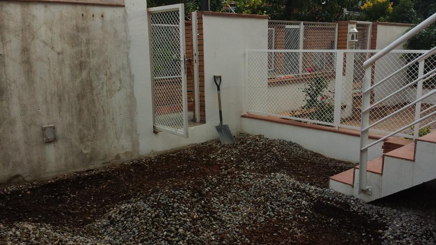 Foto rebaje de patio solados y alicatados moya s l de for Solados de hormigon