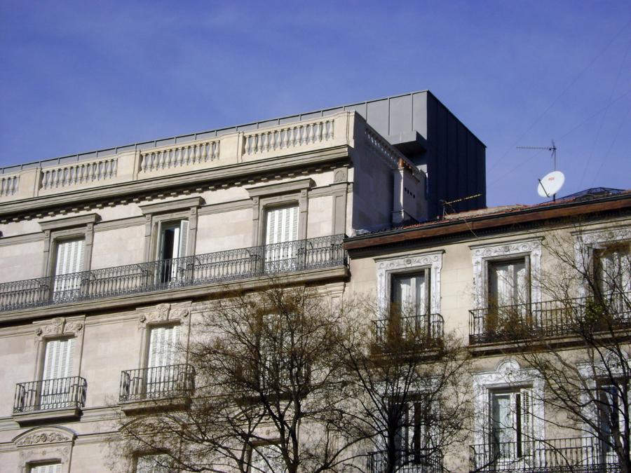 Foto recubrimiento de fachada y marquesina madrid de - Recubrimiento de fachadas ...