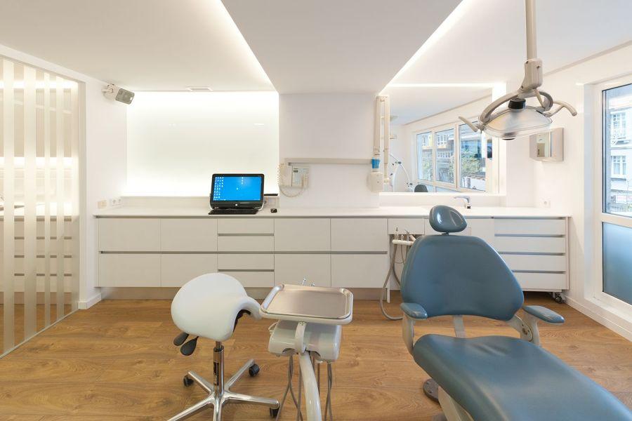 Reforma de la cl nica dental ana aguado a coru a ideas - Reformas a coruna ...