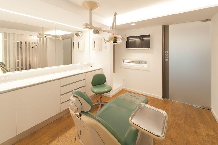 Reforma clínica dental Ana Aguado - A Coruña