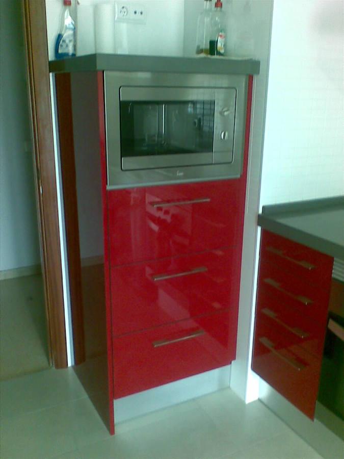 Foto reforma cocina 1 columna con microondas de atyabi for Muebles de cocina para microondas