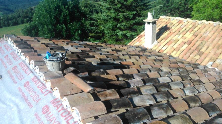 reforma d'una coberta amb teula recuperada