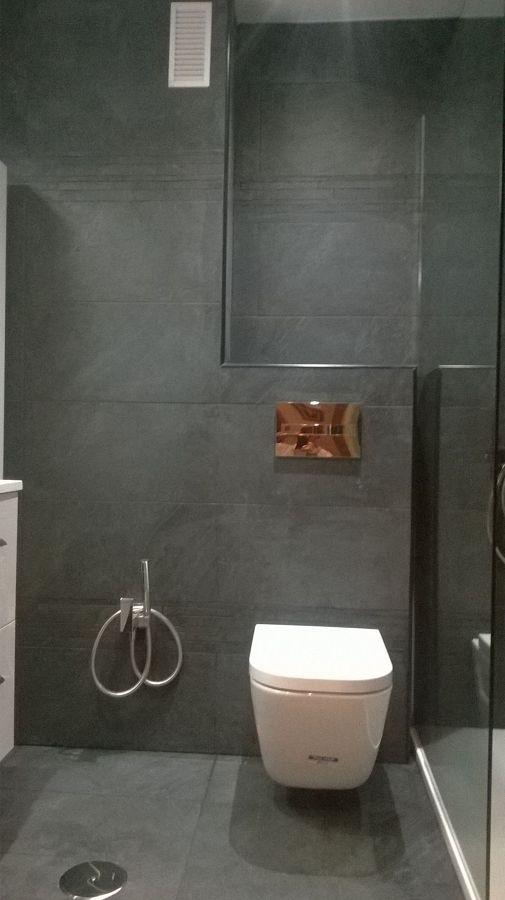 Baños Con Ducha Negra: con pulsador en cromado Instalación de ducha para inodoro