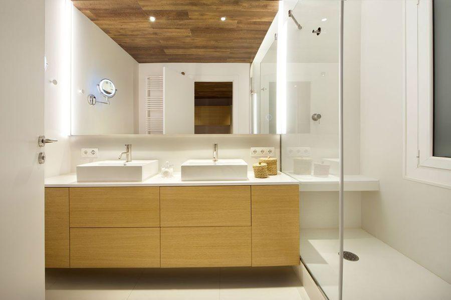 Reforma de baño con mueble lavabo a medida