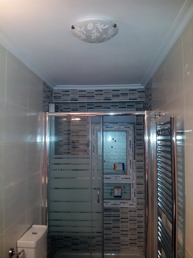 Reforma Baño Navarra:Reforma de baño completa incluido cambio de tuberias y desagues