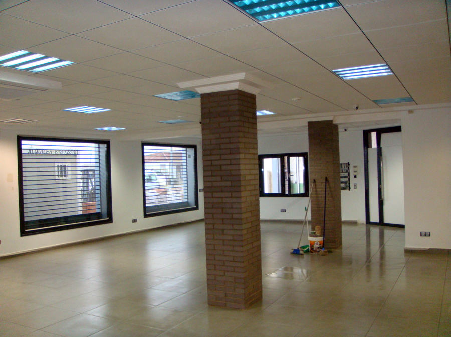 reforma exposición y oficinas