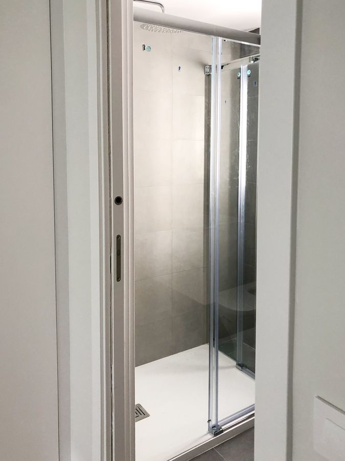 Reforma Integral Almagro - Mampara baño