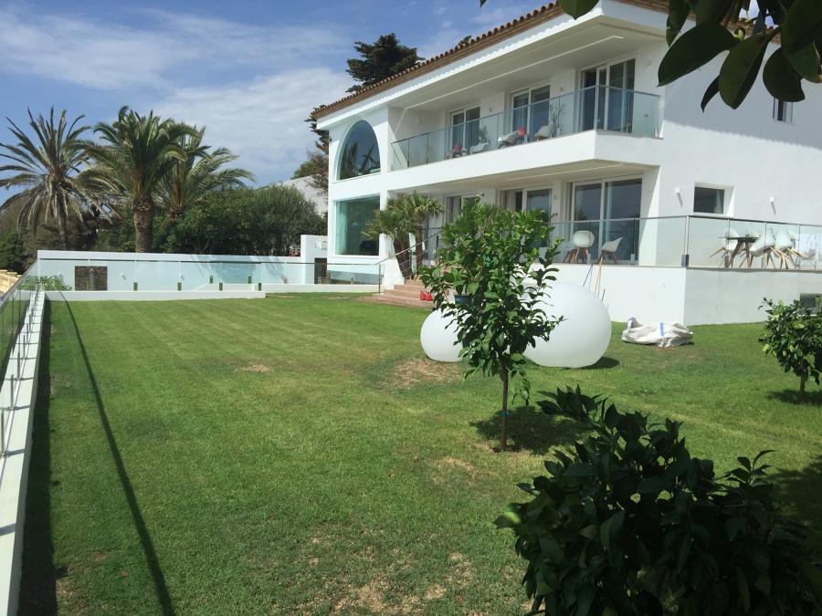 Reforma integral de casa más construcción de piscina