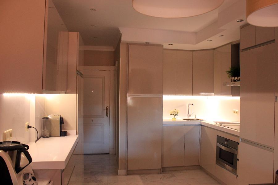 Reforma integral de salón, cocina y dormitorio en vivienda