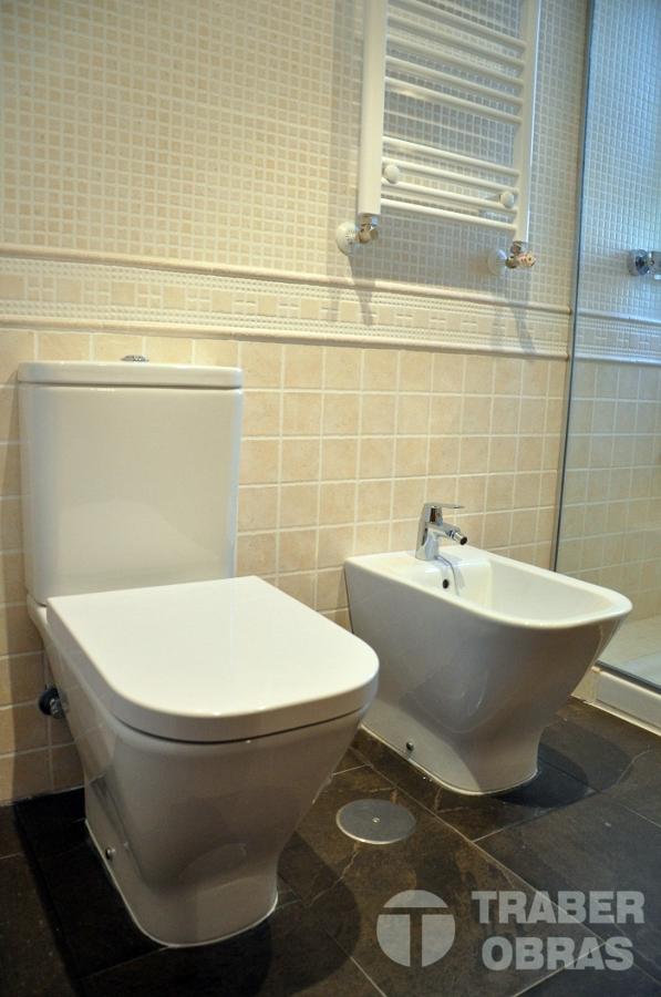 reforma integral de vivienda por Traber Obras_reforma baño_sanit