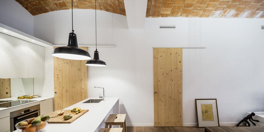 cocina con madera de pino