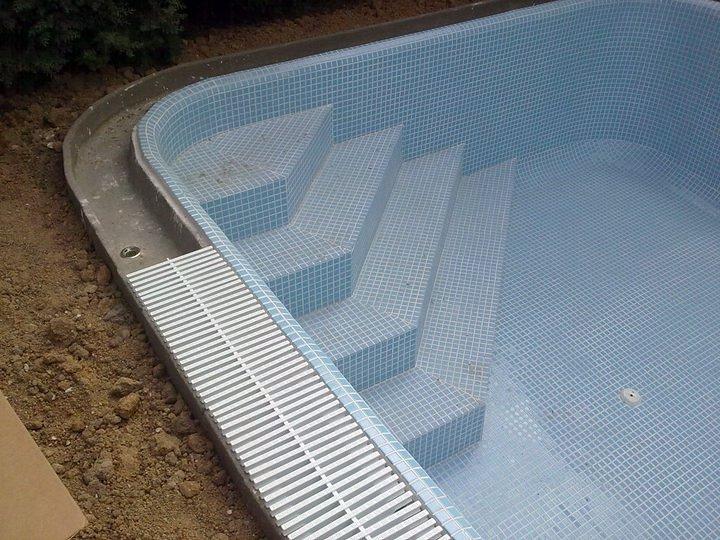 Modificacion piscina ideas reformas piscinas for Rejilla piscina