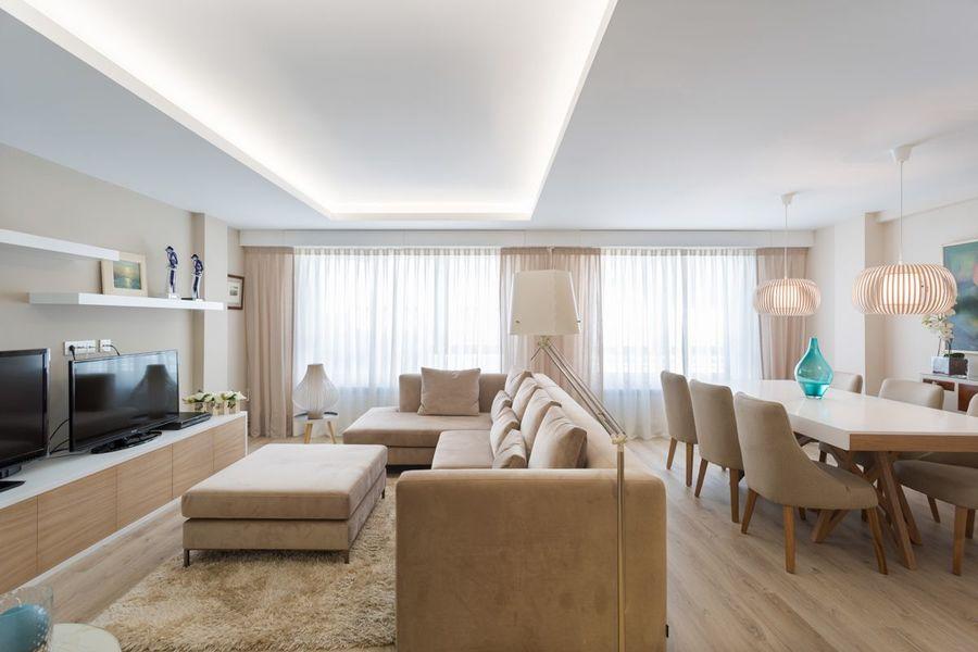 Una vivienda de estilo n rdico luminosa y muy acogedora for Salones modernos estilo nordico