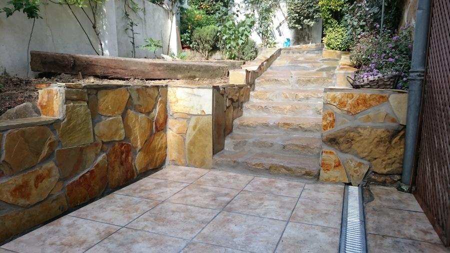 Rehabilitación de acceso y terraza de jardín 10
