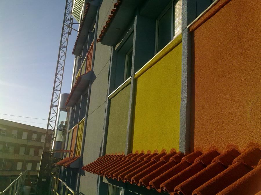 Foto rehabilitaci n de fachada con corcho proyectado de - Corcho proyectado opiniones ...