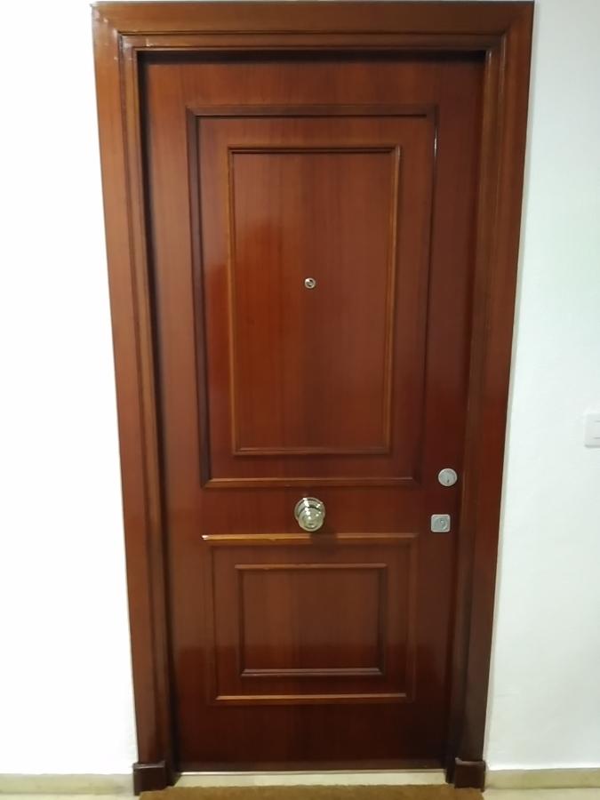 Rehabilitación de puerta de entrada, exterior