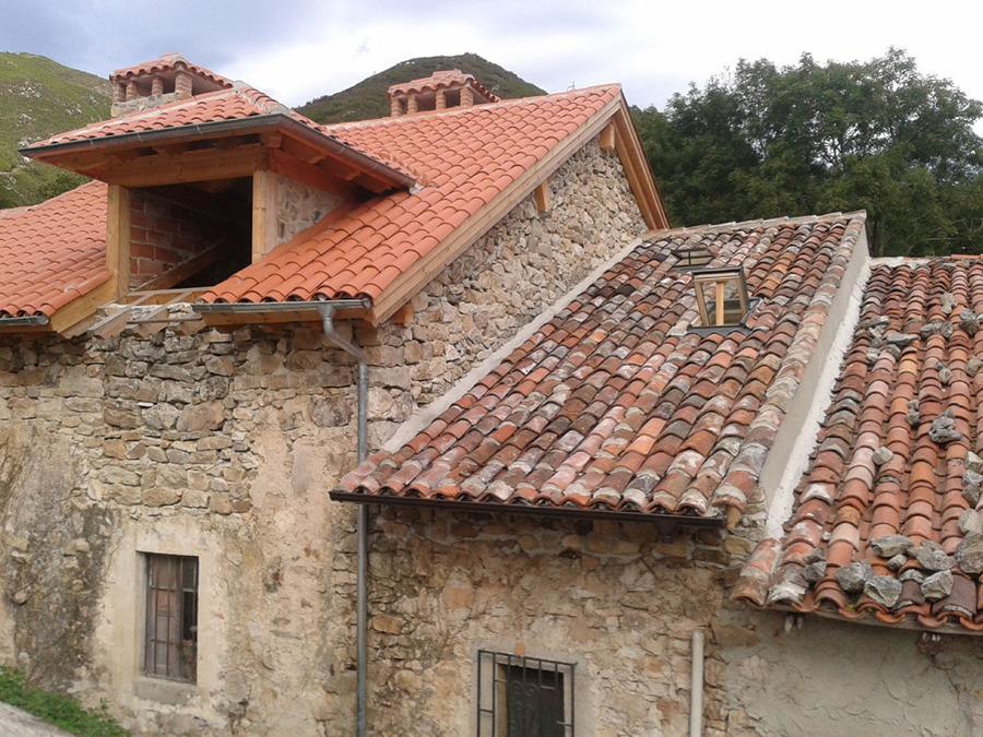 Rehabilitaci n de tejado sobre casa de piedra ideas rehabilitaci n edificios Formas de tejados de casas
