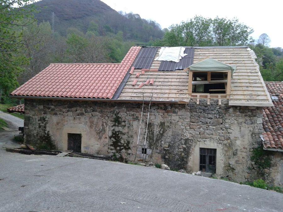 Rehabilitaci n de tejado sobre casa de piedra ideas - Cambiar tejado casa antigua ...