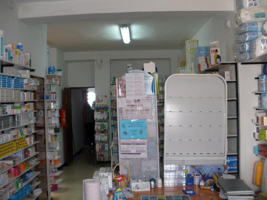 Rehabilitación de vivienda y local para Farmacia