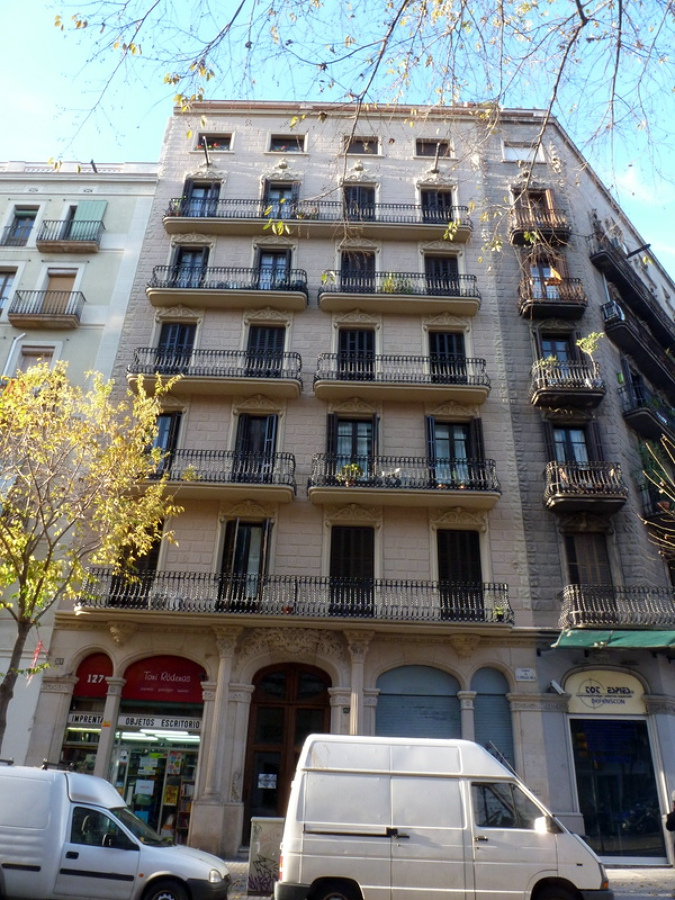 Rehabilitación integral fachada principal de edificio