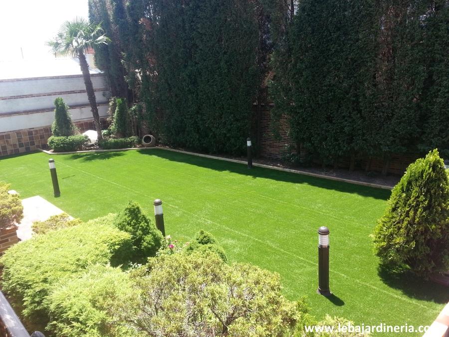 Rehabilitación jardín en vivienda particular