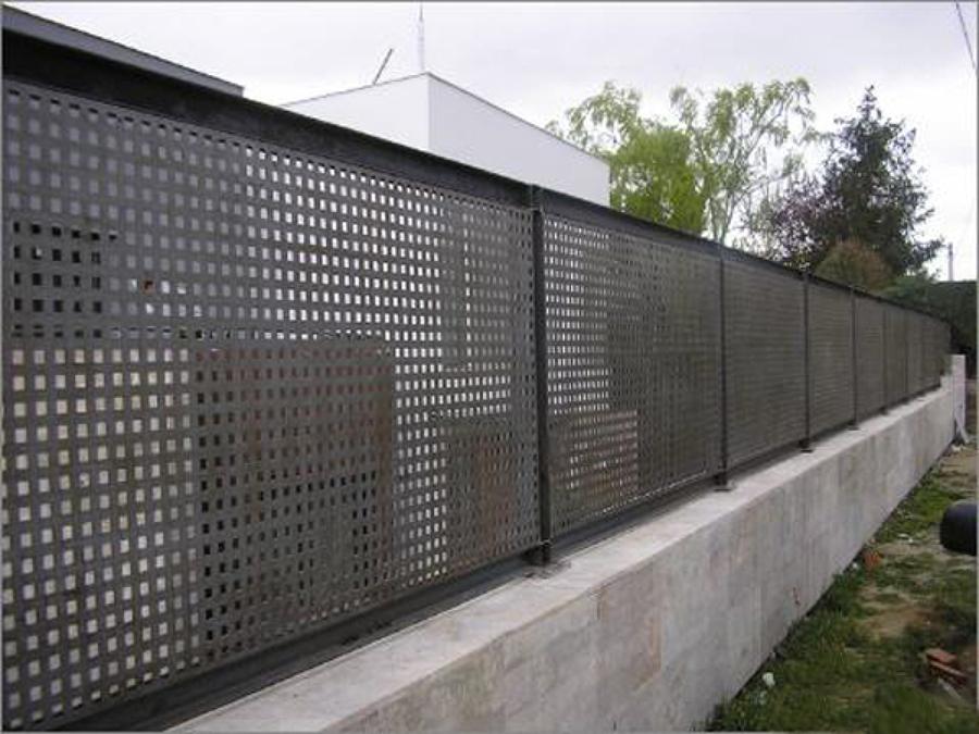 Diversos trabajos en estructuras carpinter a metalica y - Chapa metalica perforada ...