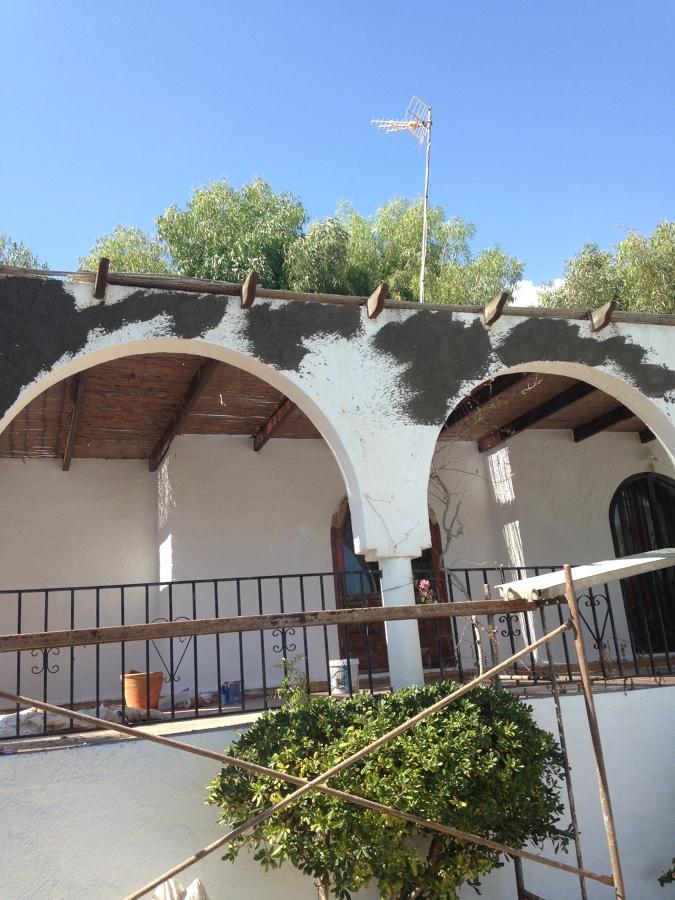 Renovación de mortero seco en fachada