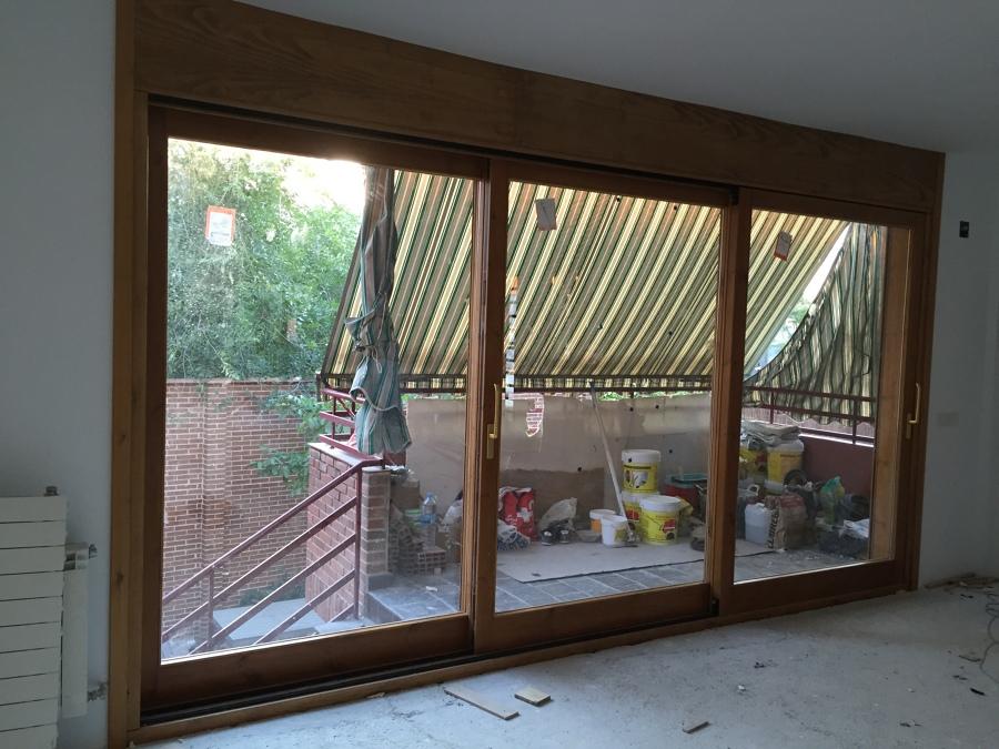 Balconera corredera de 3 hojas correderas de pino en - Carpinteria exterior ...