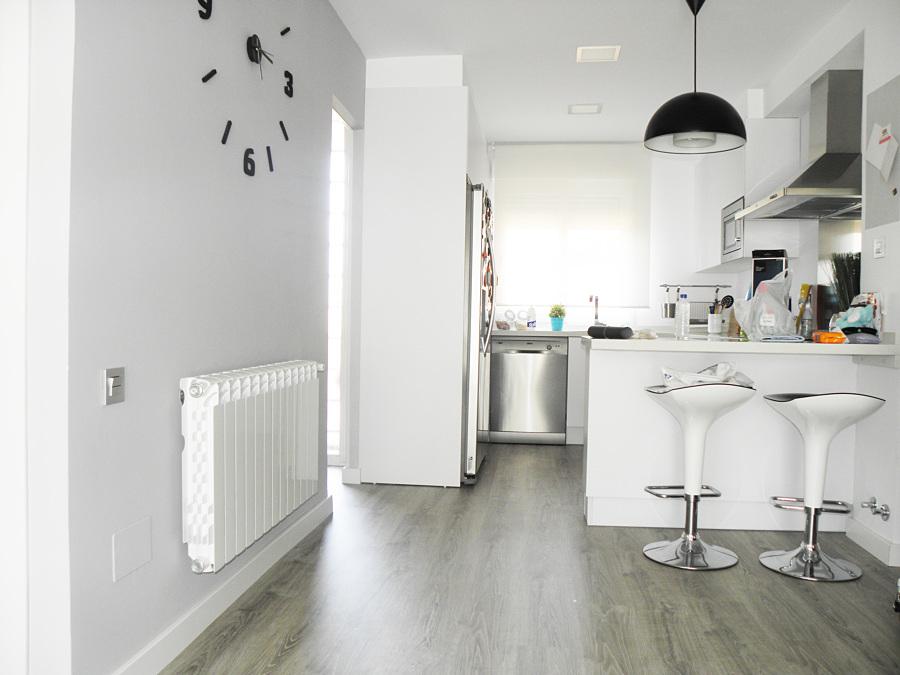 Renueva el suelo de tu cocina sin obras es posible - Suelo de cocina ...