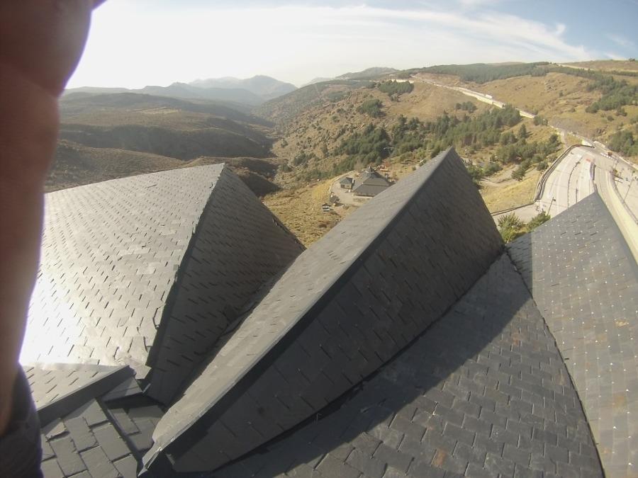 Reparación de cubierta en Sierra Nevada.