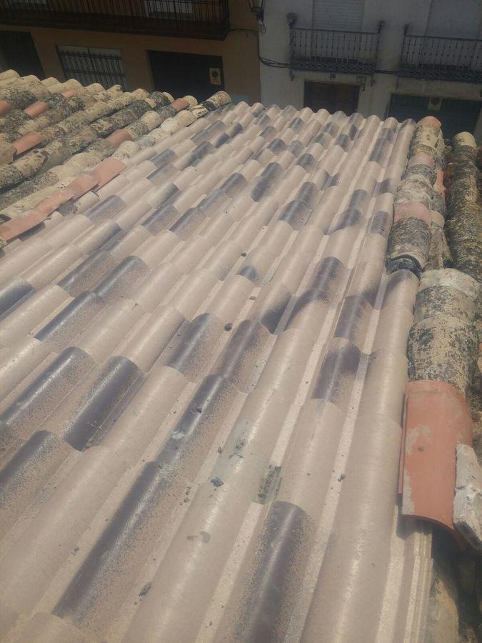 Arreglo de tejado hundido ideas reformas viviendas - Vigas de madera para tejados ...