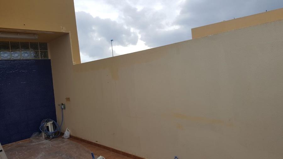 reparación y pintura de muro dúplex
