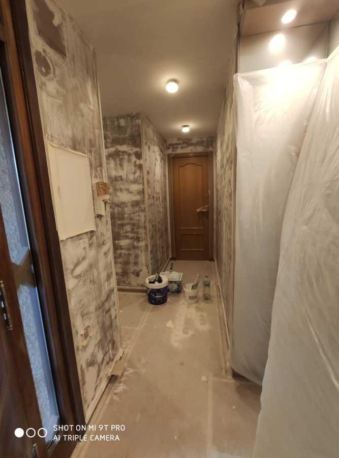 Reparar Alisar y pintar pasillo. Vivienda 2