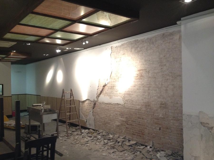 Repicado de yeso en paredes