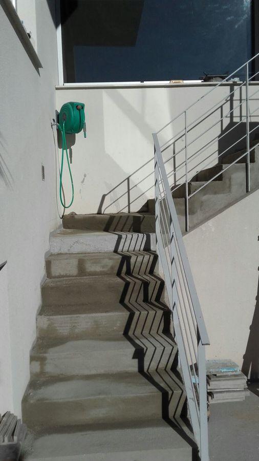Replanteo de escaleras, que estaban de obra de hormigon y con medidas desiguales